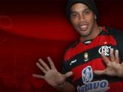 Ronaldinho humilie coéquipier.