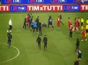 Agression Totti sur Balotelli