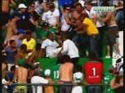 Lynchage sur un supporter dans les gradins d'un stade