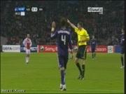 Drole carton rouge pour Sergio Ramos