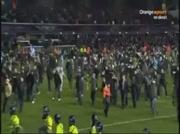 Envahissement du terrain lors du derby Birmingham City Vs Aston Villa